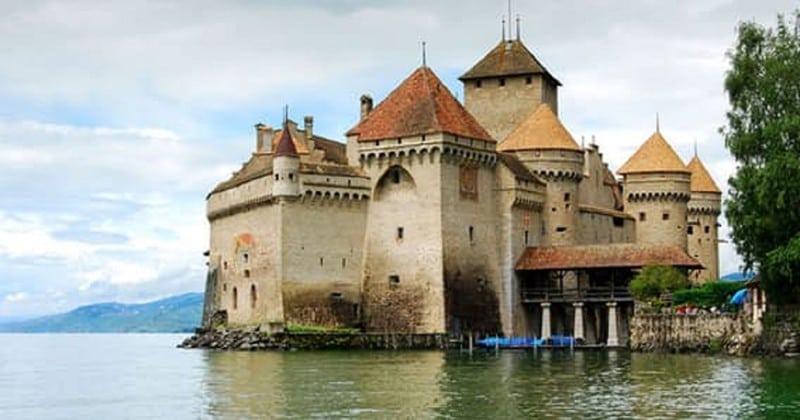 10 самых великолепных замков мира
