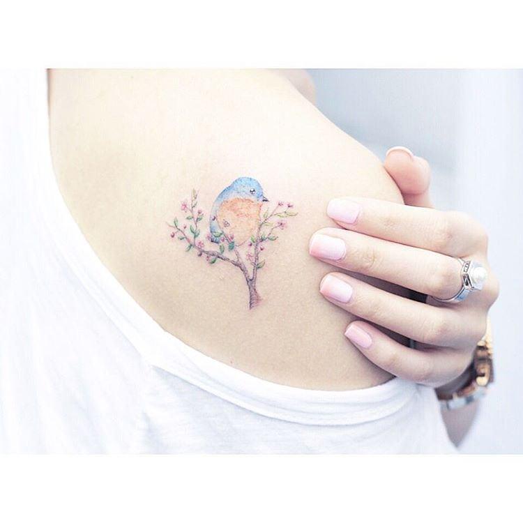 Женственно и красиво: «акварельные» татуировки от художницы Мини Лау