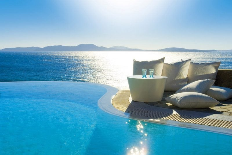 18 фото шикарного отеля на острове Миконос
