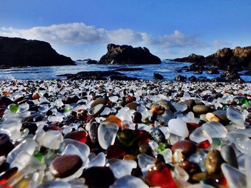 8 умопомрачительных пляжей в самой необычной цветовой гамме