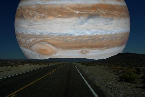 Что было бы если вместо Луны наше небо освещал...Юпитер?