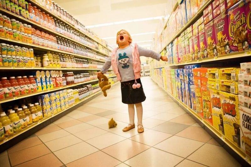 Мама отправила дочь в магазин. Посмотрите что она сделала!