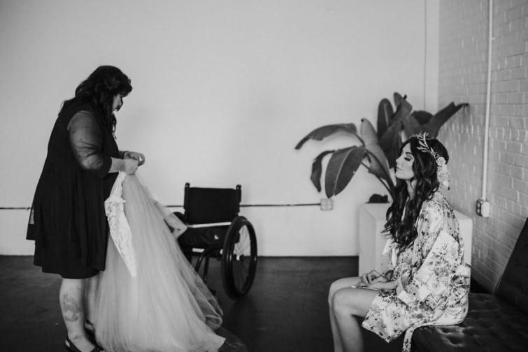 Невеста в инвалидном кресле заставила своего будущего мужа плакать перед алтарем…
