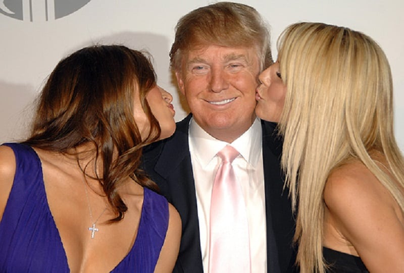 Во время инаугурации Дональд Трамп сказал своей супруге то, что резко поменяло её гримасу