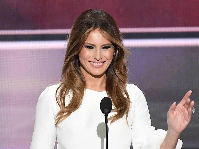 С подиума в Белый дом: эволюция стиля первой леди США Меланьи Трамп.