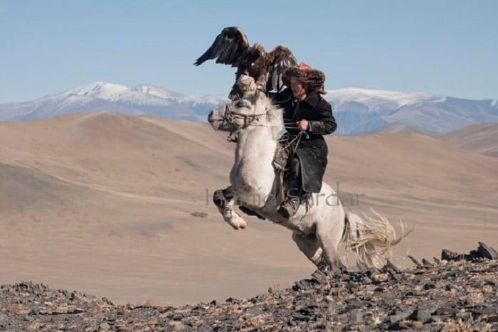 Удивительное племя, которое живет с оленями
