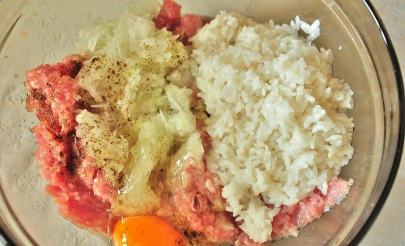 Рецепт сочных тефтелек в томатно-сметанном подливе