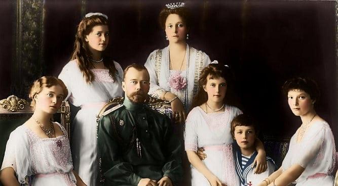 Выжившие Романовы: кем они были на самом деле