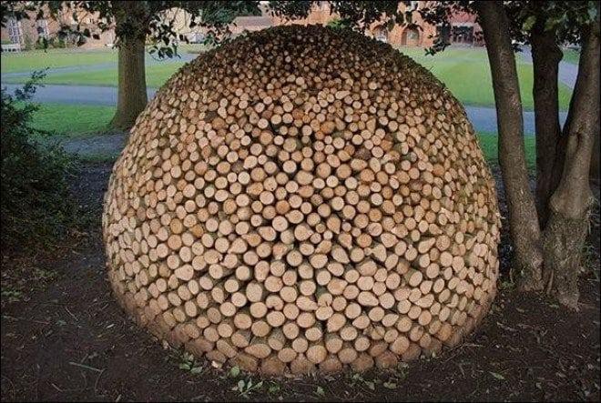 19 шедевров, которые выложили из дров. Даже не знала, что это такое искусство!