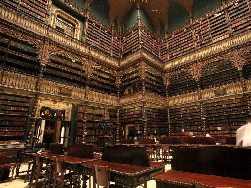 230 потрясающих книг, которые должен прочесть каждый! Сохраните список!