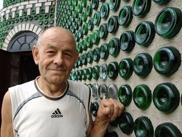 8000 бутылок из под шампанского потребовалось для строительства дачи. Удивительная находчивость!
