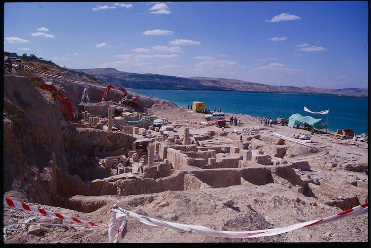 Археологи вели раскопки в затопленном городе, когда они нашли ЭТО, были просто поражены!