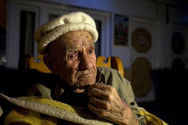 ЭТИ люди живут до 120 лет! Ученые не могут разгадать тайну их долголетия! Только посмотрите...