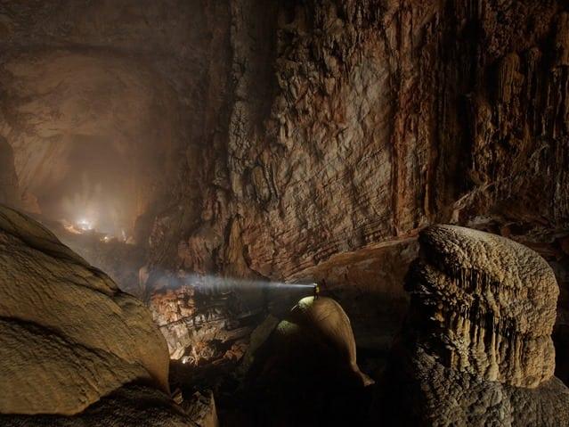 """Фермер нашел """"небольшую"""" пещерку. Её размеры поражают!"""