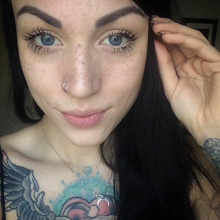 Мир сошел с ума! Представляем вам новый тренд - татуаж веснушек!