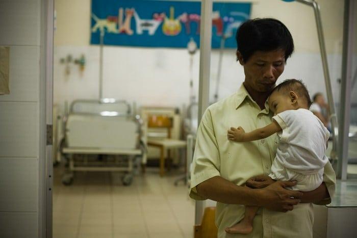 Мужчина более 15 лет спасал детей от абортов и хоронил тех, кого не удалось спасти