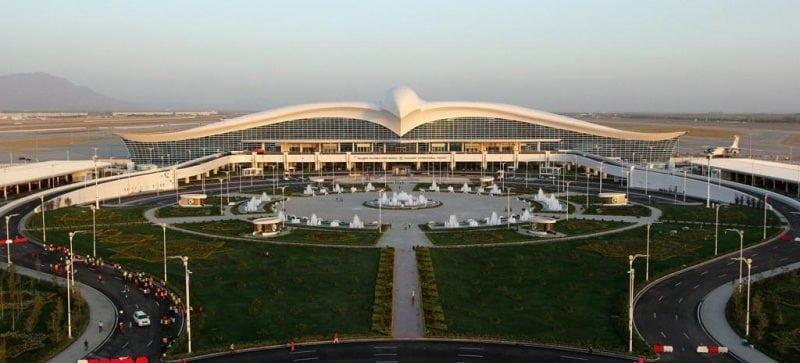 Новый аэропорт в столице Туркменистана просто поражает своей красотой! Настоящий дворец!