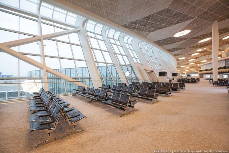 Один из самых красивых и комфортных аэропортов в мире находится в Баку. Только посмотрите на этот интерьер