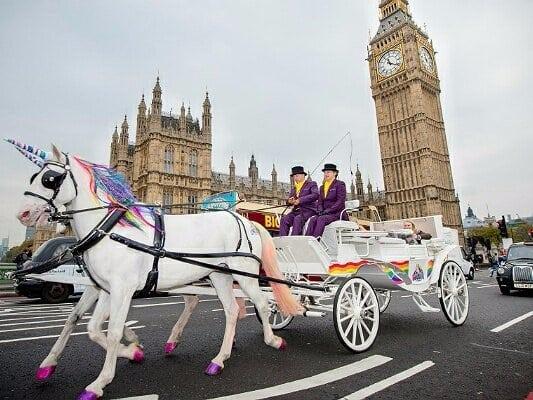 Оригинальный способ перевозки пассажиров в Лондоне