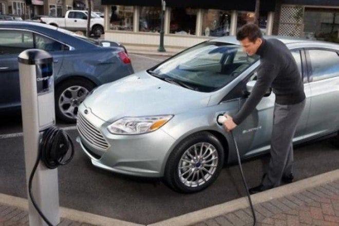Пока бензин, да здравствует электромобиль! В Испании разработали новый аккумулятор, который заряжает авто за 8 минут!