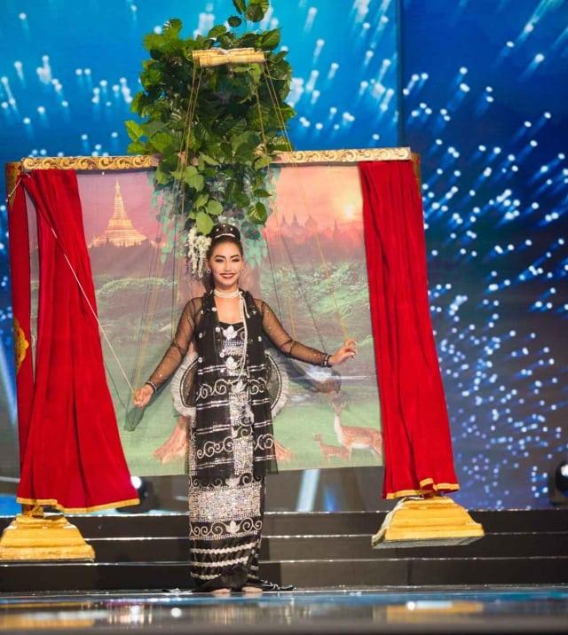 Участницы конкурса «Мисс Вселенная» в народных костюмах. Красота!