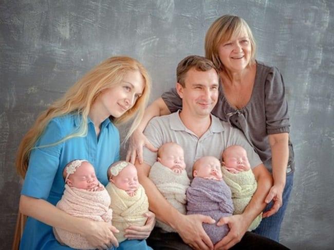 В 37 лет она родила ПЯТЕРЫХ близнецов, зачатых естественным путем!