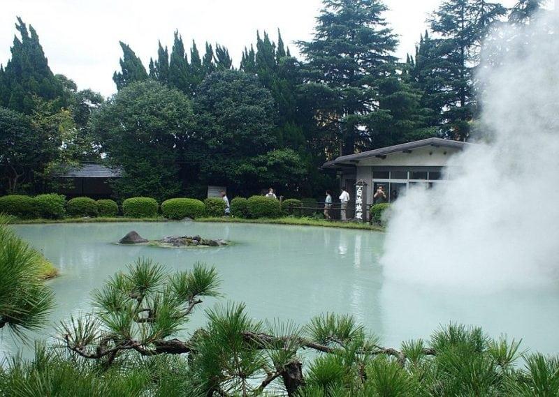 Японский город, построенный на вулкане