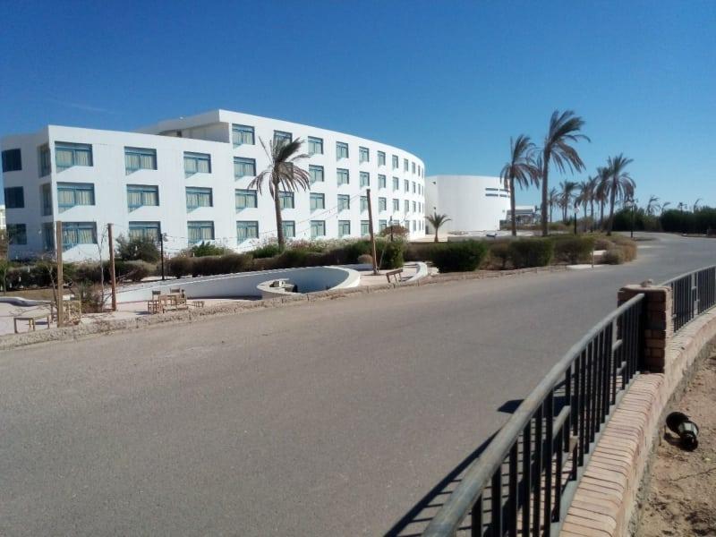 Заброшенная гостиница призрак в Египте. Жуткое зрелище...