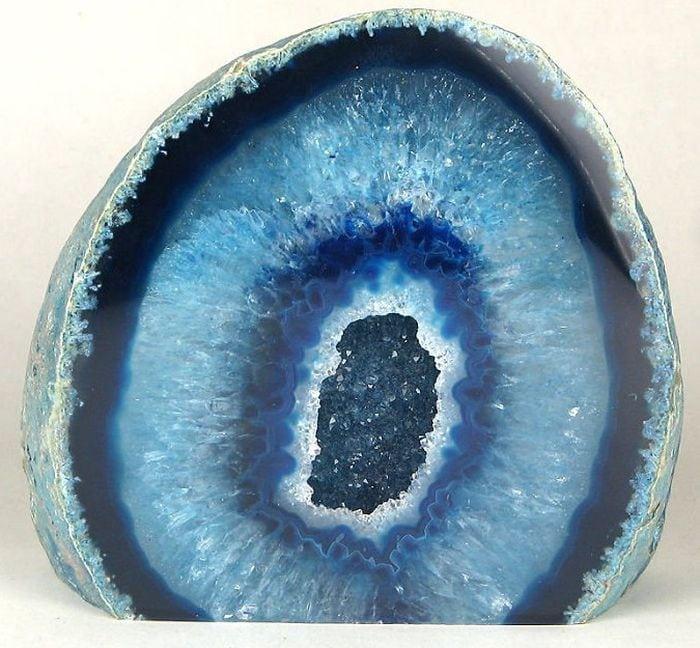 33 удивительных камня, которые затмят любые бриллианты