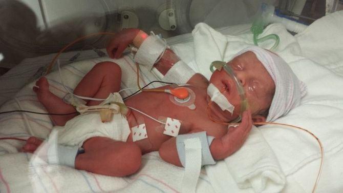 Жена родила ему 4-х малышей, а через минуту ушла навсегда...