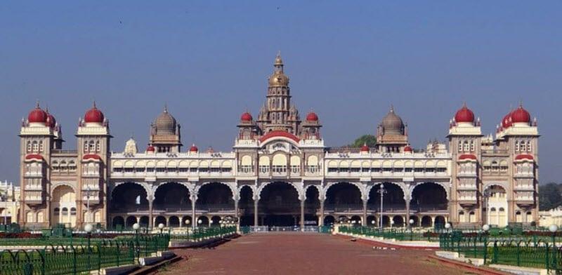 10 самых прекрасных дворцов на планете