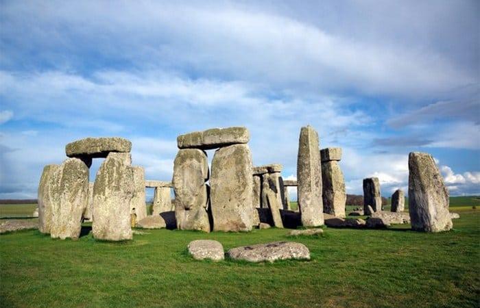 10 старинных памятников, которые возможно являются порталами в параллельные миры