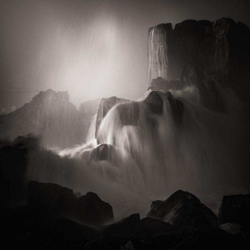 24 призера международного конкурса черно-белой фотографии. Захватывает дух!