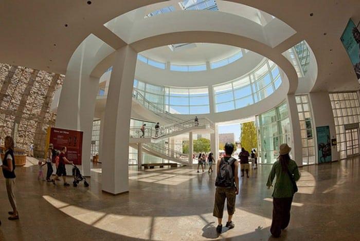 6 музеев, которые вы можете увидеть с помощью Интернета