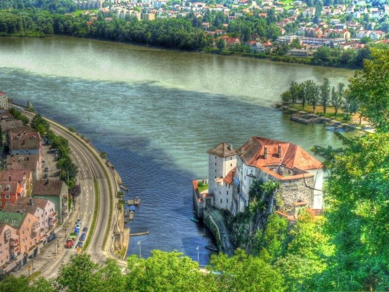 9 удивительных мест, где реки встречаются воедино