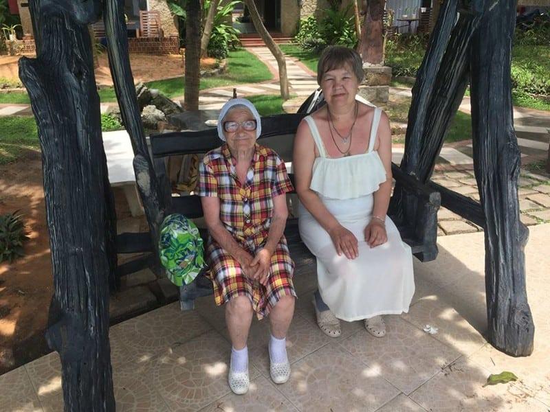 Бабушка путешественница: в свои 89 она путешествует одна по всему миру!