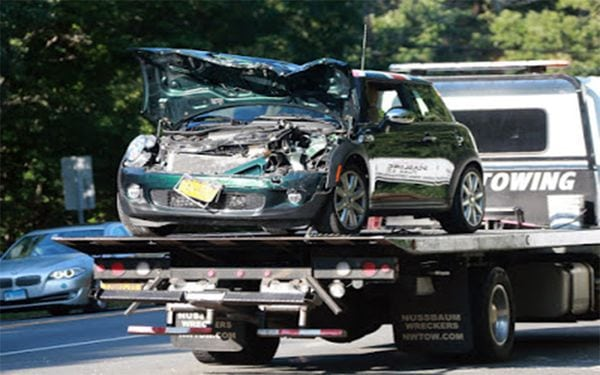Иммигрантка разбила авто ДиКаприо. Смотрите его реакцию!