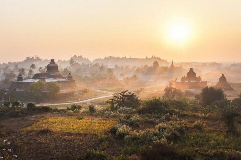Исторический памятник в Мьянме - Древние руины