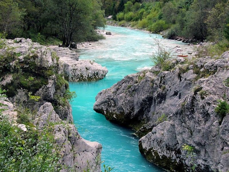"""""""Изумрудная красавица"""" —  самая красивая река в мире"""