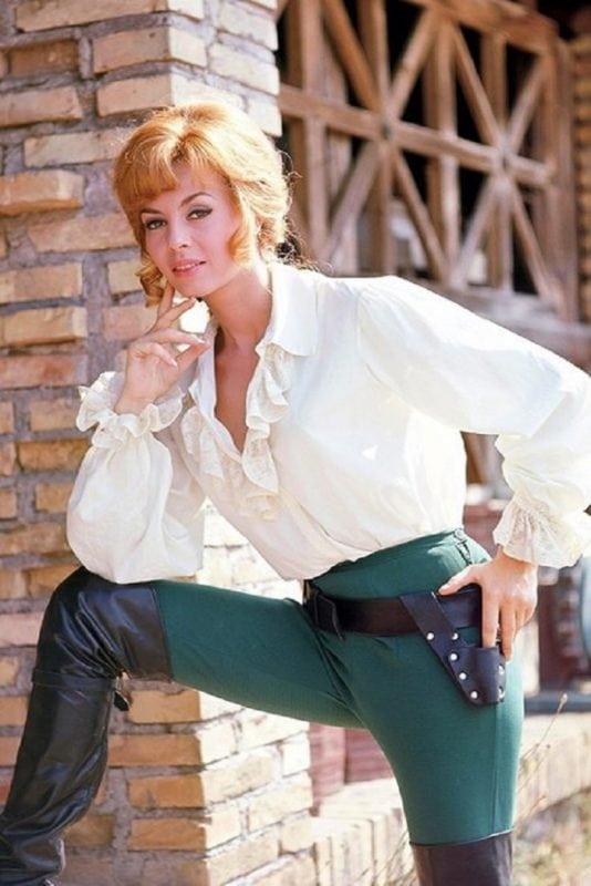 Как сложилась жизнь знаменитой Анжелики - биография актрисы Мишель Мерсье