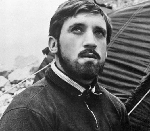 Наркотики, алкоголь, секты: неожиданные смерти артистов, которые потрясли весь СССР