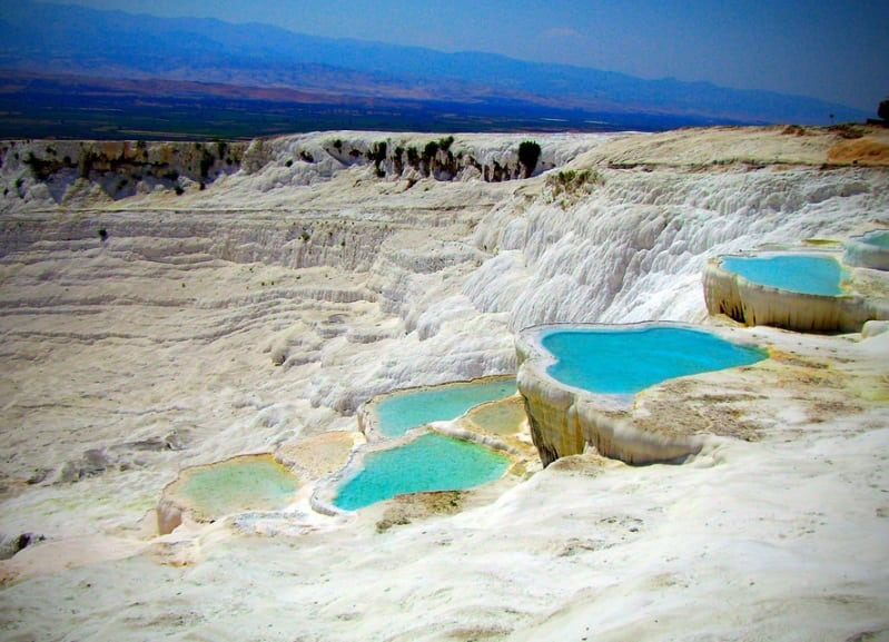 Необычные природные бассейны в Турции