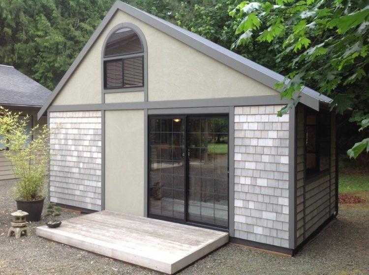 Площадь этого домика всего 18м2, но стоит зайти внутрь...Гениальное решение!