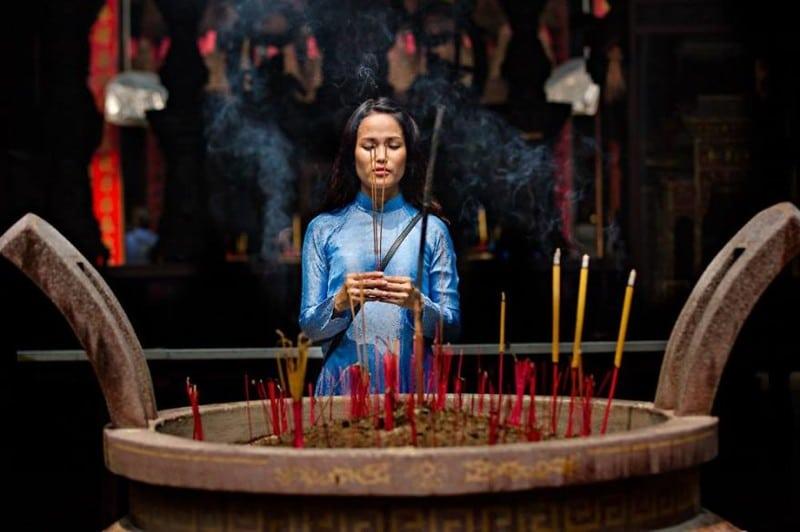 Потрясающая красота вьетнамских девушек в национальных нарядах