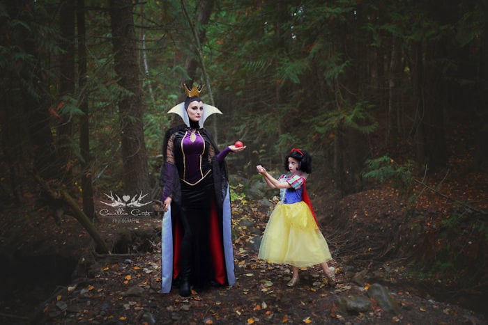 Прекрасные фотографии мамы и дочки в образе принцесс Диснея