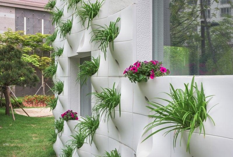 Садоводам любителям на заметку! Как можно украсить дачный домик