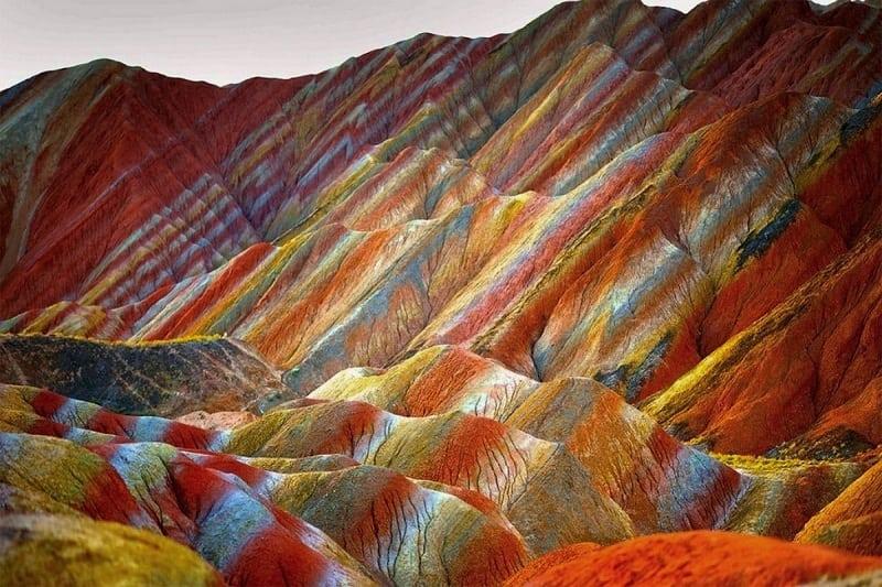 Картинки по запросу цветные скалы в китае