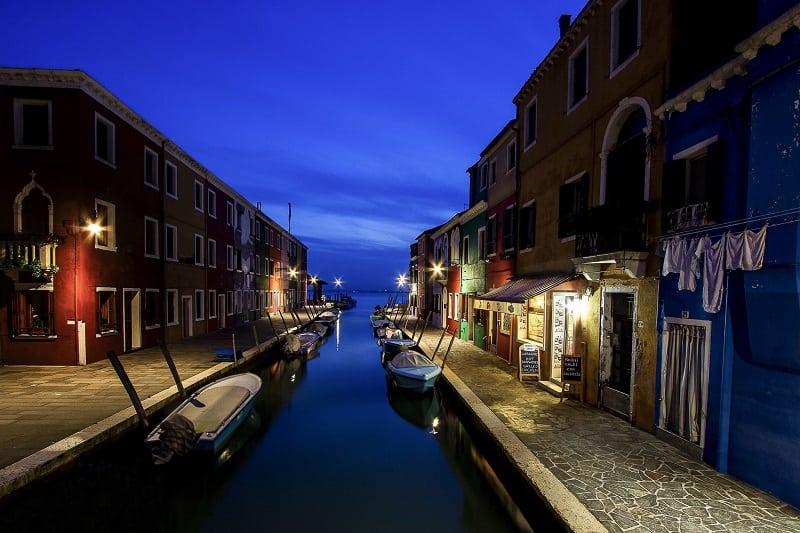 Самый яркий и жизнерадостный город Венеции