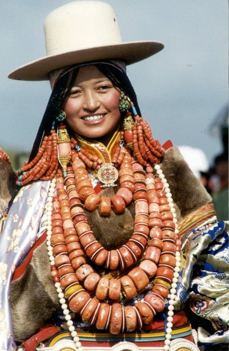 Традиция древних племен Тибета — многомужество!
