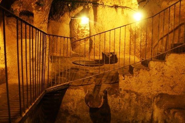 Ученые нашли огромную сеть тоннелей под Европой, которой более 12000 лет!